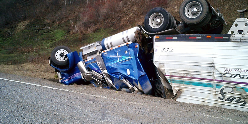 Three 18-Wheelers Crash